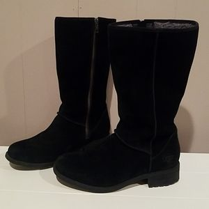 UGG Linford mid rise winter boot